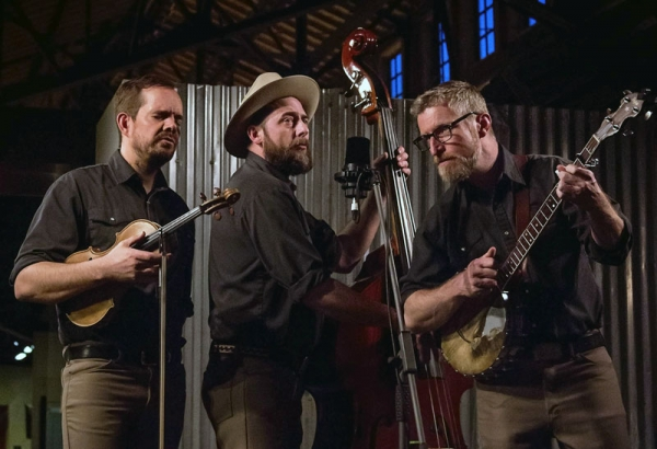 Lonesome Ace Stringband - Sample Feature Article